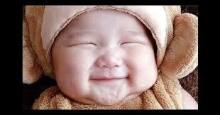 赤ちゃん笑う